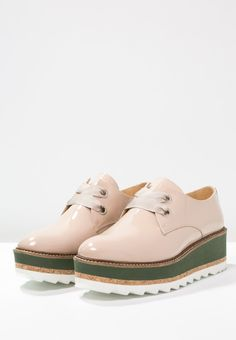 https://www.zalando.es/elysess-zapatos-de-vestir-nude-e0a11c005-j11.html?size=41&zoom=true
