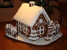 Sweet Christmas Inspiration Served by 50 Jaw Dropping DIY Gingerbread Houses Cool Gingerbread Houses, Gingerbread House Designs, Gingerbread Village, Christmas Gingerbread House, Christmas Sweets, Christmas Goodies, Christmas Baking, Gingerbread Cookies, Christmas Decorations