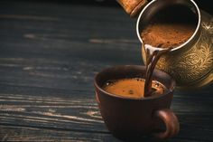 The Turkish Coffee Truck began a U. promotional tour Monday in New York to introduce Americans to traditional Turkish coffee. Coffee Creamer, Coffee Latte, Hot Coffee, Iced Coffee, Coffee Drinks, Happy Coffee, Coffee Scrub, Starbucks Coffee, Coffee Shop