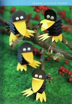 Toilet Paper Roll Crafts - Get creative! These toilet paper roll crafts are a great way to reuse these often forgotten paper products. You can use toilet paper rolls for anything! creative DIY toilet paper roll crafts are fun and easy to make. Bird Crafts, Animal Crafts, Diy And Crafts, Arts And Crafts, Unicorn Crafts, Projects For Kids, Diy For Kids, Crafts For Kids, Daycare Crafts