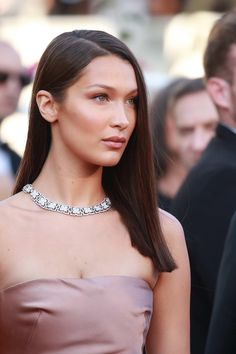 A Look Back at Bella Hadid's Best Beauty Looks - Savoir Flair Bella Gigi Hadid, Bella Hadid Nose, Isabella Hadid, Bella Beauty, Glam Makeup Look, Olivia Culpo, Sleek Hairstyles, Cannes Film Festival, Fashion Models