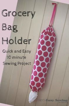 Quick DIY Gifts You Can Sew - Grocery Bag Holder - Best Sewing Projects for Gift Giving and Simple Handmade Presents - Free Sewing Patterns Easy Diy Sewing Projects, Sewing Projects For Beginners, Sewing Hacks, Sewing Tutorials, Sewing Crafts, Sewing Tips, Diy Gifts Sewing, Gifts To Sew, Baby Dress Tutorials