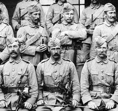 """Boer War """"Rough Riders"""" of New Zealand - image probably taken in 1904 - the subjects are the Officers and NCO's of the North Auckland Mounted Rifles just after the Boer War of 1899 - Nz History, World History, New Zealand Image, British Army Uniform, Armed Conflict, Rough Riders, War Photography, Lest We Forget, Military History"""