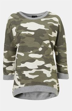 Sir Yes Sir! Love this Top! Topshop Camouflage Sweatshirt available at Camouflage Fashion, Camo Fashion, Military Inspired Fashion, Military Fashion, Military Style, Fall Winter Outfits, Winter Wear, Camouflage Sweatshirt, Green Utility Jacket