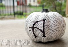 Here in the sticks, you can get these minis & gourds for I want to make hundreds, but I don't know if I can destroy books. How to make Mod Podge book page pumpkins. Add letters to spell out a message or use as name markers on a table. by darlene Halloween Pumpkins, Halloween Crafts, Halloween Decorations, Halloween Ideas, Halloween Stuff, Fall Crafts, Holiday Crafts, Holiday Fun, Holiday Ideas