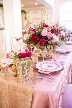 weddingdress pink How To Have A Bright And Funky Wedding This Summer : glam gold and pink wedding table Wedding Reception Centerpieces, Wedding Arrangements, Wedding Table Settings, Flower Centerpieces, Table Wedding, Pink And Gold Wedding, Pink Wedding Dresses, Rose Wedding, Wedding Colors