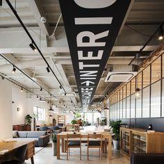 グラフィックデザイン事例【com design store】|名古屋の店舗設計&オフィスデザイン専門サイト by EIGHT DESIGN
