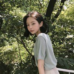 153 vind-ik-leuks, 1 opmerkingen - @hwa.min / 손화민 / 화민 (@dailyhwamin) op Instagram Human Photography, Portrait Photography Poses, Korean Beauty, Asian Beauty, Hwa Min, Cute Korean Girl, Uzzlang Girl, Japan Girl, Aesthetic Girl