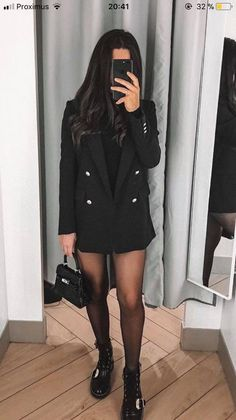 Boots and black blazer - LadyStyle Source by clothes Winter Fashion Outfits, Fall Winter Outfits, Autumn Winter Fashion, Fashion Clothes, Summer Outfits, Fashion Mode, Look Fashion, Womens Fashion, Trendy Fashion