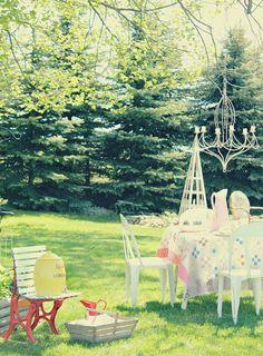 garden party (rusty hinge)