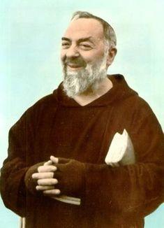 """Awesome pic of St. Padre Pio smiling!!!""""  """"Jesus is the bridge that unite the creature with the Creator.""""( Saint Father Pio of Pietrelcina)  """"Jesus é a ponte que une a criatura ao Criador."""" (Santo Padre Pio de Pietrelcina)   De nada vale a fé sem obras."""" (Santo Padre Pio de Pietrelcina) """"Anime-se porque a mão de Deus que o sustenta é forte!"""" (Santo Padre Pio de Pietrelcina) Receive """"Daily Thoughts of Padre Pio"""". Visit www.padrepiogroup.org."""