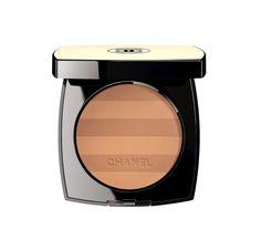 Beauté : la poudre pour le teint bronzé Belle Mine du maquillage Chanel, en version marinière