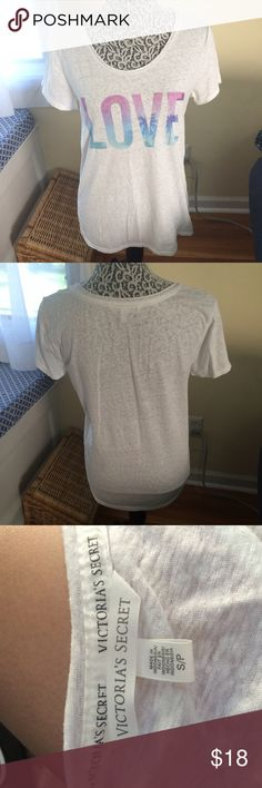 Victoria's Secret tshirt Excellent condition. Perfect for summer! Victoria's Secret Tops Tees - Short Sleeve