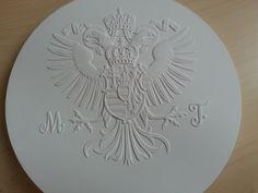 Sádrový odlitek nutný pro výrobu pamětní medaile, vydané k 300. výročí Marie Terezie