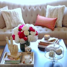 neutrals with pop  http://pinkpeonies.com/instagram-life-and-other-stuff/