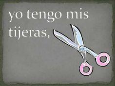 En mi mochila roja (Classroom objects in Spanish) High School Spanish, Elementary Spanish, Spanish Teacher, Spanish Classroom, Teaching Spanish, Spanish Vocabulary, Grammar And Vocabulary, Spanish Songs, Spanish Lessons