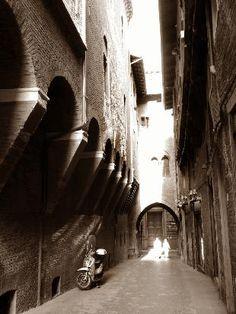 Bologna, Jewish ghetto from 1555.