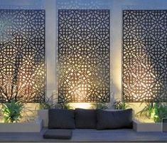 Enjoy your relaxing moment in your backyard, with these remarkable garden screening ideas. Garden screening would make your backyard to be comfortable because you'll get more privacy. Outdoor Screens, Outdoor Privacy, Privacy Screens, Metal Garden Screens, Backyard Privacy, Pergola Screens, Garden Privacy Screen, Backyard Bar, Backyard Seating