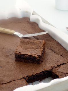 Mette's brownies Beste Brownies, Er 5, Danish Christmas, Recipe Boards, Cocoa, Biscuits, Sweet Tooth, Sweet Treats, Food And Drink