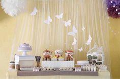 El tul es un material realmente versátil a la hora de decorar una fiesta. Con muy poca inversión puedes lograr detalles hermosos y llamativ...