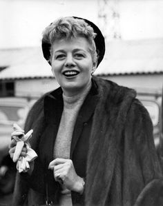 Shelley Winters Old Hollywood Stars, Vintage Hollywood, Hollywood Glamour, Hollywood Actresses, Classic Hollywood, Shelley Winters, Southern California, Golden Age, Movie Stars