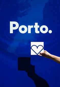 Identidade de cidades e bairrostem surgido por ai, como uma forma de alavancar o turismo e comércio local. Não foi diferente da Cidade do Porto em Portugal idealizada pelo pessoal daWhite Studio.…