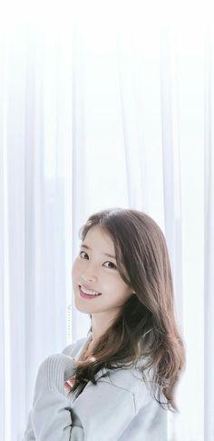 Korean Beauty Girls, Cute Korean Girl, Korean Fashion Kpop, Iu Fashion, Iu Short Hair, Short Hair Styles, Korean Actresses, Korean Actors, Korean Celebrities