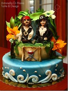 This wonderful Pirates of the Caribbean Cake was made by Antonella Di Maria Torte & Design.  The figures of Jack Sparrow and Angelica are amazing.