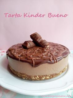 Cooking Recipes: Kinder Bueno cake no-bake Köstliche Desserts, Chocolate Desserts, Delicious Desserts, Dessert Recipes, Yummy Food, Cake Cookies, Cupcake Cakes, Food Network Recipes, Cooking Recipes