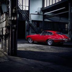 Photography Series, Photography Projects, Car Photography, Woman Mechanic, Jaguar Type, Jaguar Daimler, Z Photo, Photo Shoot, Photographer Portfolio