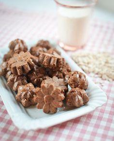 Pečete z kokosu jen kokosky a sem tam ho přidáte do nějakého koláče nebo v něm obalujete cukroví? Vyzkoušejte něco nového! Kokos totiž může být super pomocníkem a jídlům dodá nový rozměr! Christmas Sweets, Christmas Cookies, Diy Food, Ham, Cookie Recipes, Sweet Tooth, Food And Drink, Gluten Free, Healthy Recipes