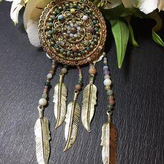 """«Брошь """"Ловец снов"""" #брошь#ловецснов#вышивка#натуральныекамни#brooch#handmade#art#boho#bohobrooch#бохо#брошьбохо#бохошик"""