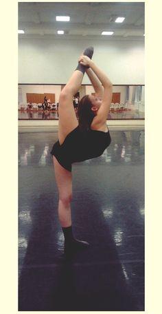 Dancer: Julcsi Nagy _ #dance #flexibility #strech #dancer #ballet #ballerina #gym #fit #fitness #life #hipster #girl #masterdance #spiccandflex #showdance #riesa