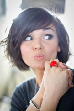 Cute bob - wonder if I could ever get my hair to behave like that....