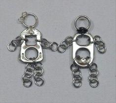 Coś dla zakochanych... Zawieszki dla niej i dla niego z kluczyków od aluminiowych puszek.