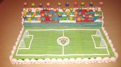 Tarta campo de fútbol con chuches