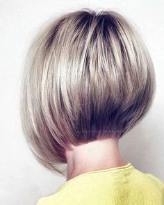 Excellent Pictures Blonde-Stacked-Bob-Hair Popular Bob Hairstyles 2019 Thoughts Who developed the Bob hair? Bob has been primary the group of tendency hairstyles for decades. Stacked Bob Hairstyles, Long Bob Hairstyles, Trending Hairstyles, Fashion Hairstyles, Woman Hairstyles, Blonde Hairstyles, Bridal Hairstyles, Vintage Hairstyles, Bob Haircuts For Women