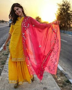 What to Expect on a Safari Vacation Pakistani Dresses, Indian Dresses, Indian Outfits, Abaya Fashion, Fashion Dresses, Stylish Dresses, Casual Dresses, Choli Dress, Indian Designer Suits