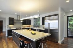 Image 5 of 16 from gallery of Menlo Oaks Residence / Ana Williamson Architect. Photograph by Dasja Dolan