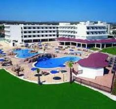 The Nissiana Hotel is located 150m from the famous Nissi beach, the most beautiful white sandy beach in Ayia Napa and about 25 minutes walking distance from the centre of Ayia Napa. Near the hotel there is a wide variety of Bars, restaurants and shops.