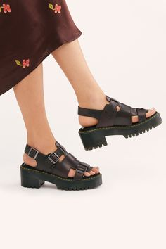 Dress up your feet with Free People's beautiful sandals. Pick a pair of Birkenstock, beach shoes or fringe sandals that is stylish and super comfortable. Fringe Sandals, Leather Sandals, Sport Sandals, Wedge Sandals, Sandals Outfit, Beautiful Sandals, Beach Shoes, Shoe Collection, Dr. Martens