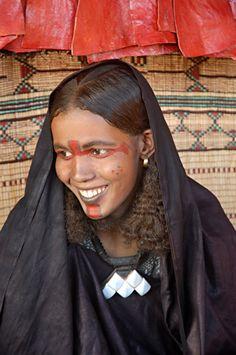 "Africa | ""Femme du Sahara"" ~ Tuareg woman | ©Feissal Al Aziz"