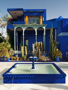 This should be one everyone's bucket list! Jardin Majorelle Garden by Pierre Berge and Yves Saint Laurent Marrakech, Morocco Marrakech Travel, Marrakech Morocco, Marrakech Hotels, Moroccan Decor, Moroccan Style, Moroccan Room, Jardim Majorelle, Yves Saint Laurent, Places