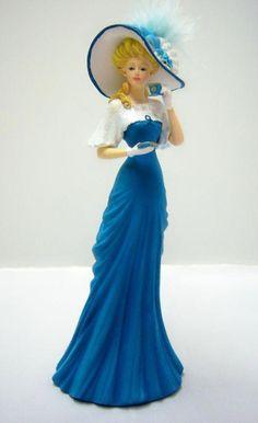 Gold Standard Porcelain China Value Victorian Dolls, Victorian Women, Fashion Art, Vintage Fashion, Fashion Design, Thomas Kinkade, Fashion Illustration Vintage, My Fair Lady, Elegant Woman