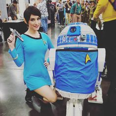 FemSpock today at Booth 819! Found the cutest R2 this morning showing some Trek Love! @rosecitycc #cosplay #spock #llap #r2d2 #startrek #rccc #starwars
