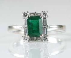 1ct Emerald Diamond Ring