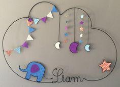 Réalisation d'un prénom en fil d'aluminium avec lune, éléphant, étoile et fanions très originale pour décorer la chambre de votre enfant dimensions : largeur 51 X hauteur  - 16196439