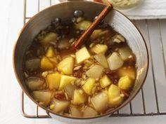 Apfel-Birnen-Kompott ist ein Rezept mit frischen Zutaten aus der Kategorie Kompott. Probieren Sie dieses und weitere Rezepte von EAT SMARTER!