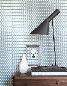 Image of Papel pintado Scandinavian designers by Arne Jacobsen Geometrico Small Space Interior Design, Lamp, Bedroom Wallpaper Retro, Modern Desk Lamp, Showroom Interior Design, Diy Floor Lamp, Modern Interior Design, Scandinavian Design, Traditional Interior Design