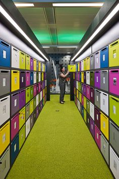 :: BBC North Offices, MediaCityUK | Employee Lockers ::